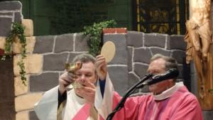 Inauguration de la porte Sainte